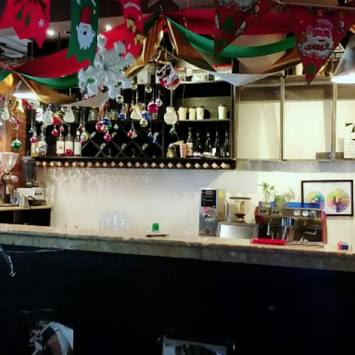 花果园盈利酒吧转让、也可以合作!