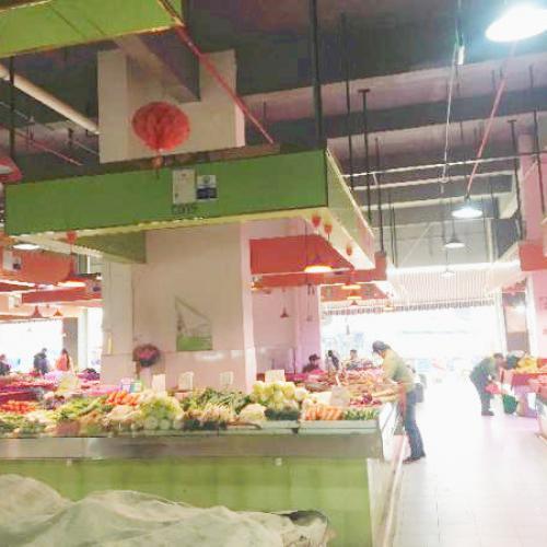 江南白沙大道星级市场蔬菜生鲜摊位转让1万5带走
