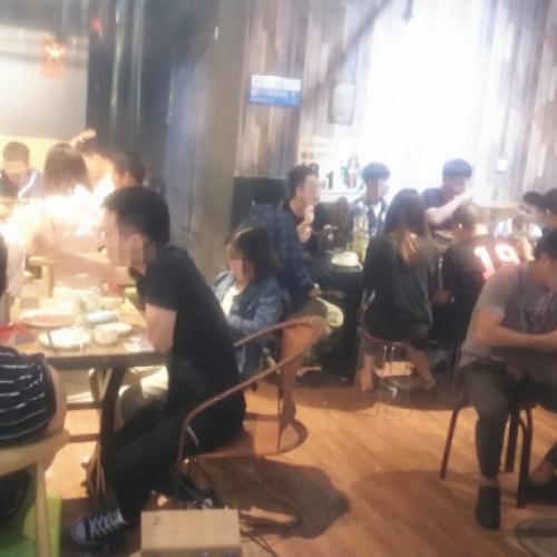 秀灵路秀隆商业街烧烤餐馆夜市急转 可外摆