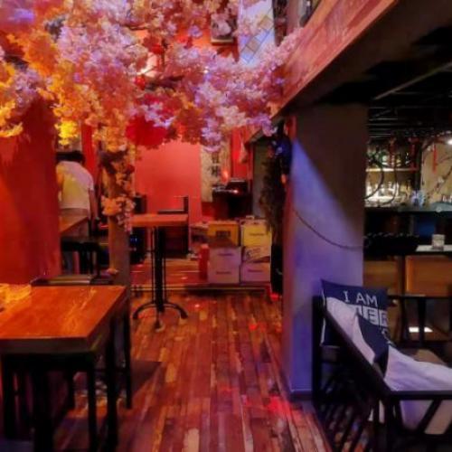 中山路南国街140平米网红酒吧转让