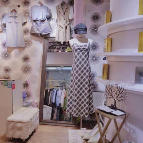 转让地铁口朝阳国贸中心21平服装店