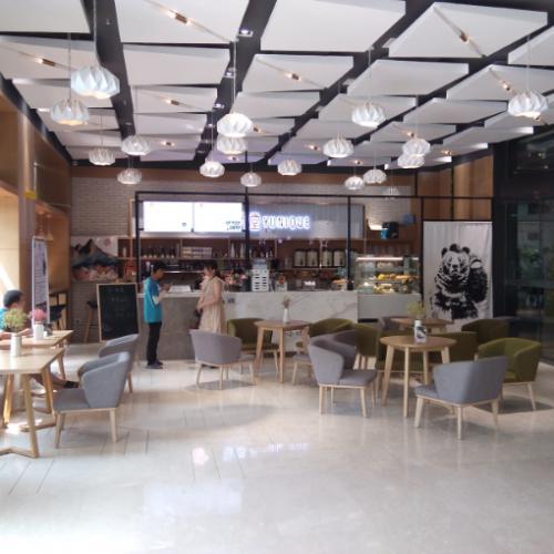 金融港写字楼入口70平米咖啡水吧转让