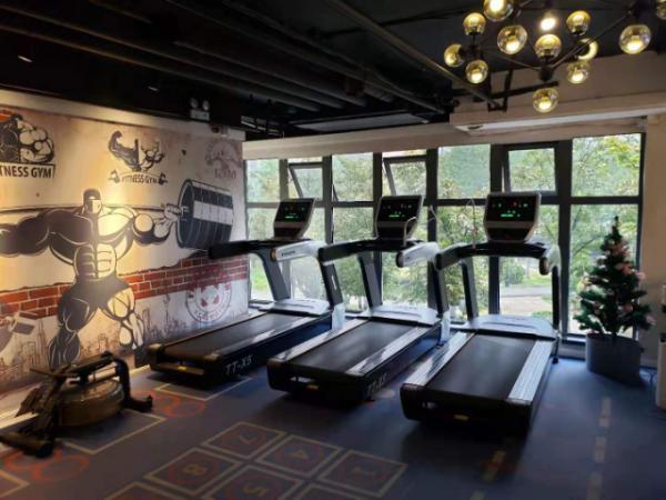 临街底商健身房工作室可直租空转整转