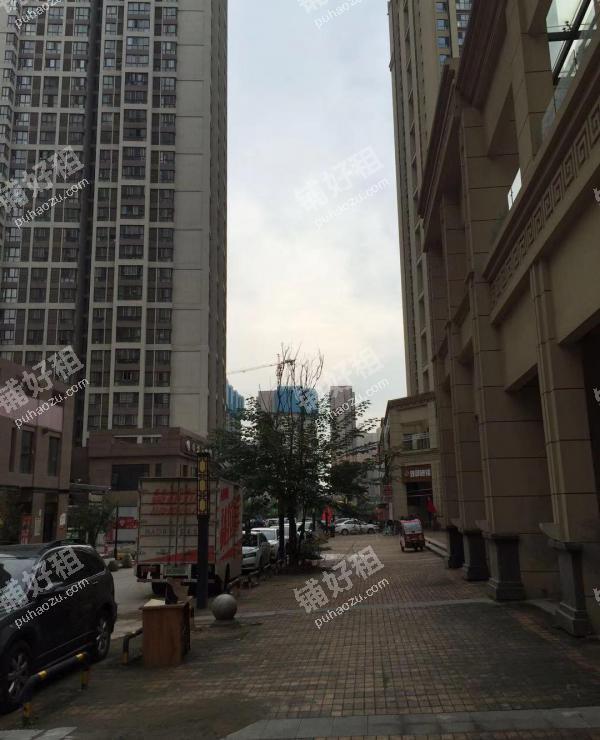 张家堡凤城十路92.5平米酒楼餐饮出租