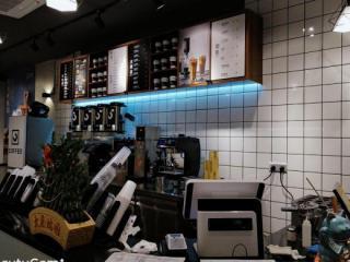 会展中心临街咖啡店急转/可空转