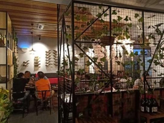 三元里沙涌临街餐饮店急转 人流量大