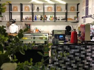 陕西路临街精装修咖啡厅转让