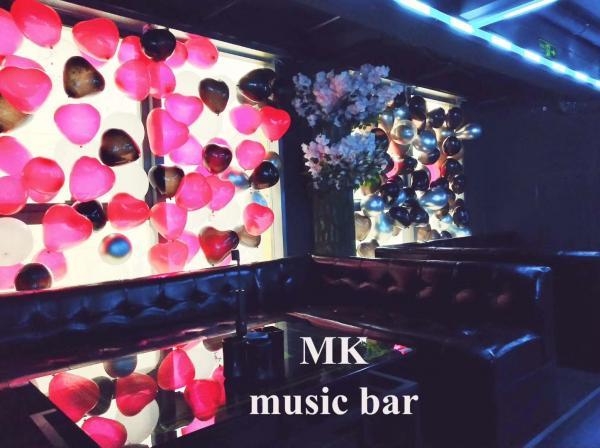 酒吧急转 花果园精装190平方酒吧 设施一应俱全应有尽有
