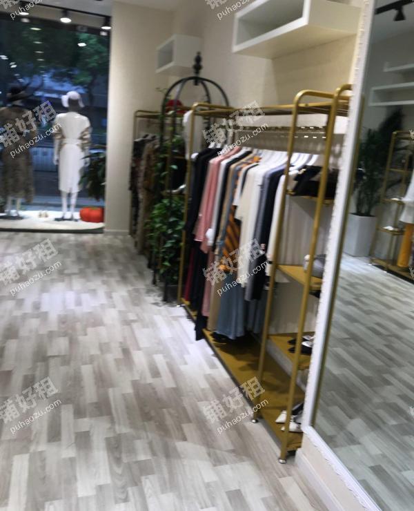 喷水池中华北路100平米服饰鞋包出租
