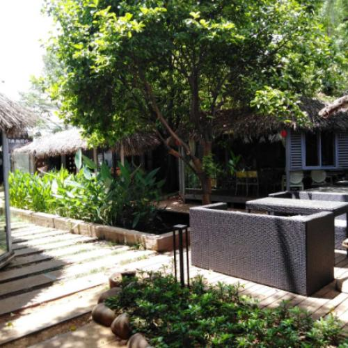 龙泉路1200平米庭院式旺铺直租业态不限