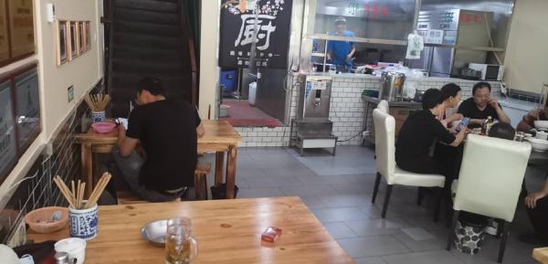 临街泡馍餐厅诚心转