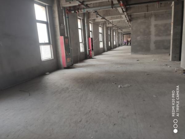 未央区凤城七路一楼底商可以做火锅店,私房菜小区门口位置