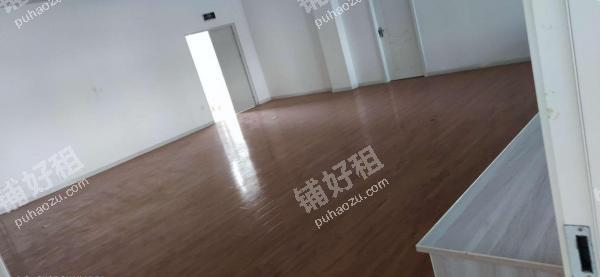 辛家庙广运潭西路265.4平米教育培训转让