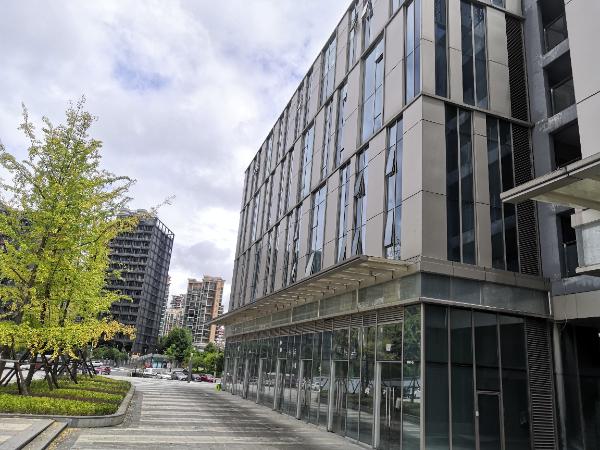 金阳富力中心独栋商业1层和4层招租