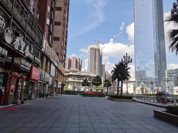 花果园兰花广场旁临街门面低价空转